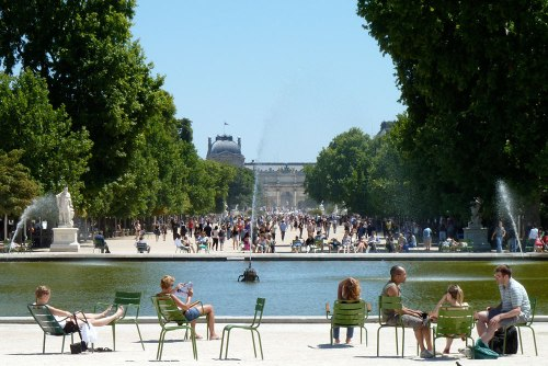 paris-tuileries-pool-1000
