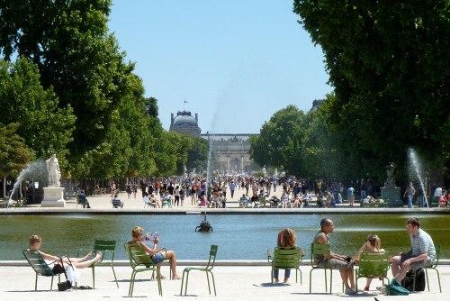 paris-tuileries-pool-1000